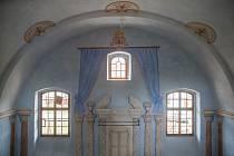 Rekonstrukce židovské synagogy v Polici.