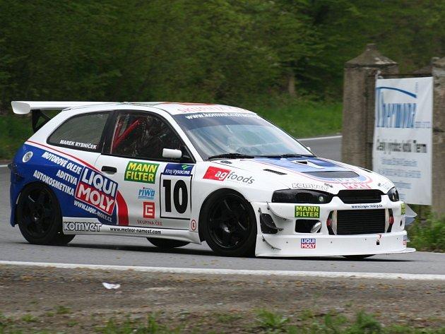 NAKONEC ČTVRTÝ. Závodník Marek Rybníček na závěrečném podniku mistrovství ČR po sobotním závodě figuroval na třetí pozici, ale poslední jízda rozhodla o jeho konečném čtvrtém místě.