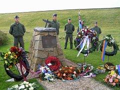 U památníku československé válečné letky Aloise Šišky se v nizozemském Pettenu shromáždili potomci a následovníci. Právě příslušníci současné Šiškovy letky z náměšťské letecké základny vznik památníku iniciovali.