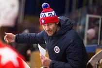 Radek Novák dovedl třebíčské hokejisty do vysněného předkola play-off a svůj tým po nedohrané sezoně chválil.