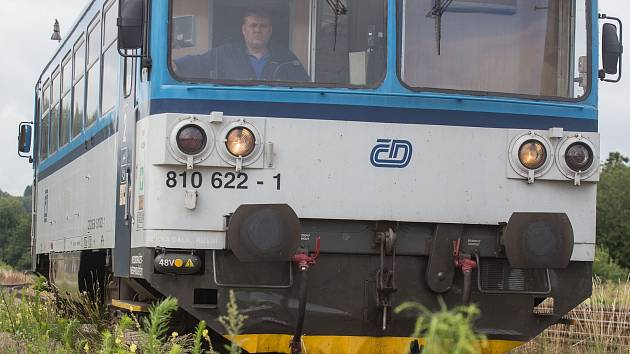 V Brně přejel vlak ženu. Mezi centrem a Slatinou se zastavil provoz