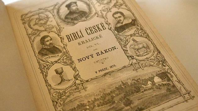 Den tiskařů připomíná 50 let památníku i 440 let Bible Kralické