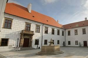 Zámecký areál v Třebíči.
