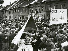 Listopad 1989 v Třebíči.