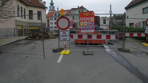 Uzavírka Podklášterského mostu.