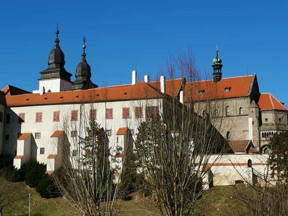 Židy a Bazilika sv. Prokopa. Podívejte se na snímky města Třebíč a jeho okolí