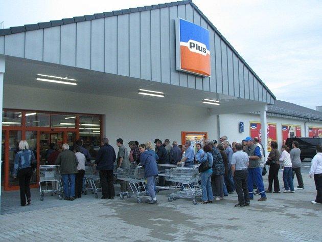 Nový supermarket v třebíčské čtvrti Borovina.