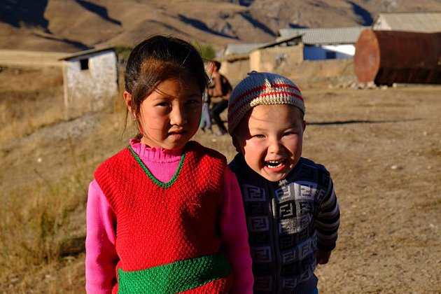"""Nejvíc nadšený byl prý zKyrgyzstánu, ikdyž každá země měla svá plus. """"VKyrgyzstánu jsou všude hory, krásná příroda, koně, veselí a pohostinní lidé, dobré jídlo,"""" vzpomíná.  """"Cílovka"""" Vietnam se mu rovněž líbila, """"Ale už jsem začínal být zjihovýchodní"""