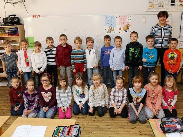Na fotografii jsou prvňáčci ze Základní školy Horka-Domky vTřebíči, třída 1.C paní učitelky Dany Dvořákové. Příště představíme prvňáčky ze Základní školy Benešova vTřebíči.