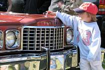 Sběratelé amerických aut přijeli do Třebíče