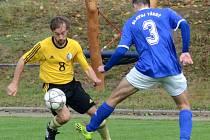 Dlouho to vypadlo, že tři body budou brát fotbalisté Třeště, ale Vladislavi (ve žlutém Jakub Orálek) se nakonec povedlo vyrovnat Ondřejem Venhodou.