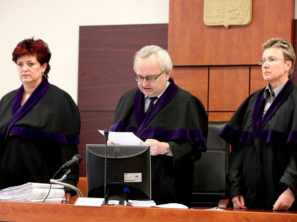 """""""Pokud by žalobkyně řádně plnila své povinnosti, tak by musela záměnu odhalit,"""" řekl v odůvodnění rozsudku předseda senátu Jan Tesař."""