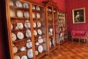 Na zámku v Náměšti opět lidé můžou zavítat do královského apartmánu. Uvidí toho víc než loni. Například hostinskou jídelnu včetně krásného porcelánu.