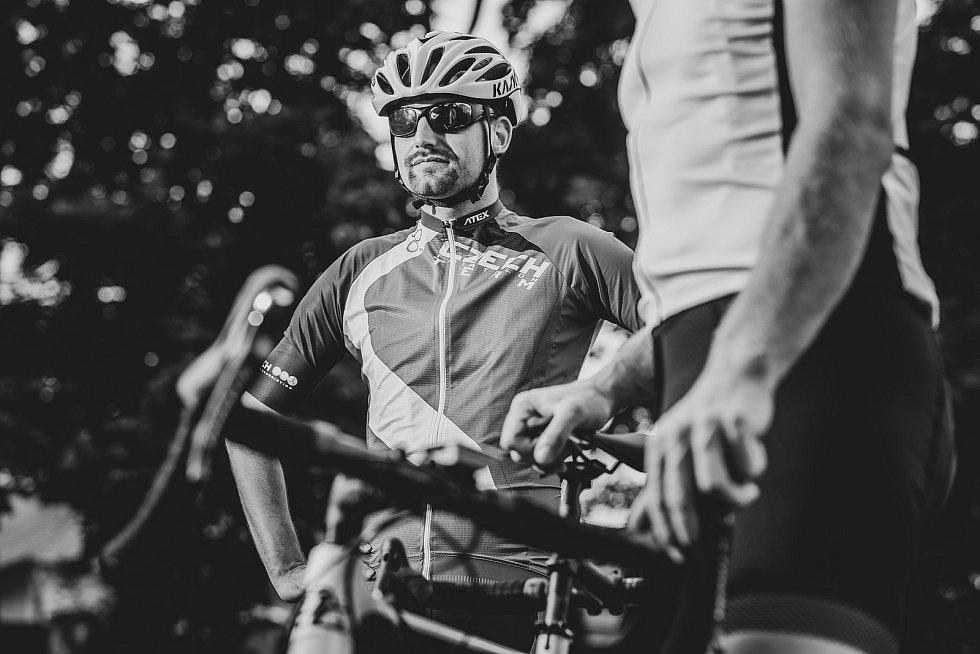 Nevidomý sportovec Ondřej Zmeškal z Třebíčska plánuje pokořit slavnou Tour de France na dvojkole.
