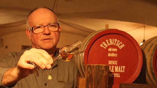 Originální whisky z Třebíče. Spolumajitel Vojtěch Maštera.