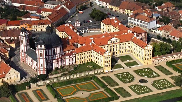 Představují šlechtické rody: Questenberkové dali zámku dnešní barokní podobu