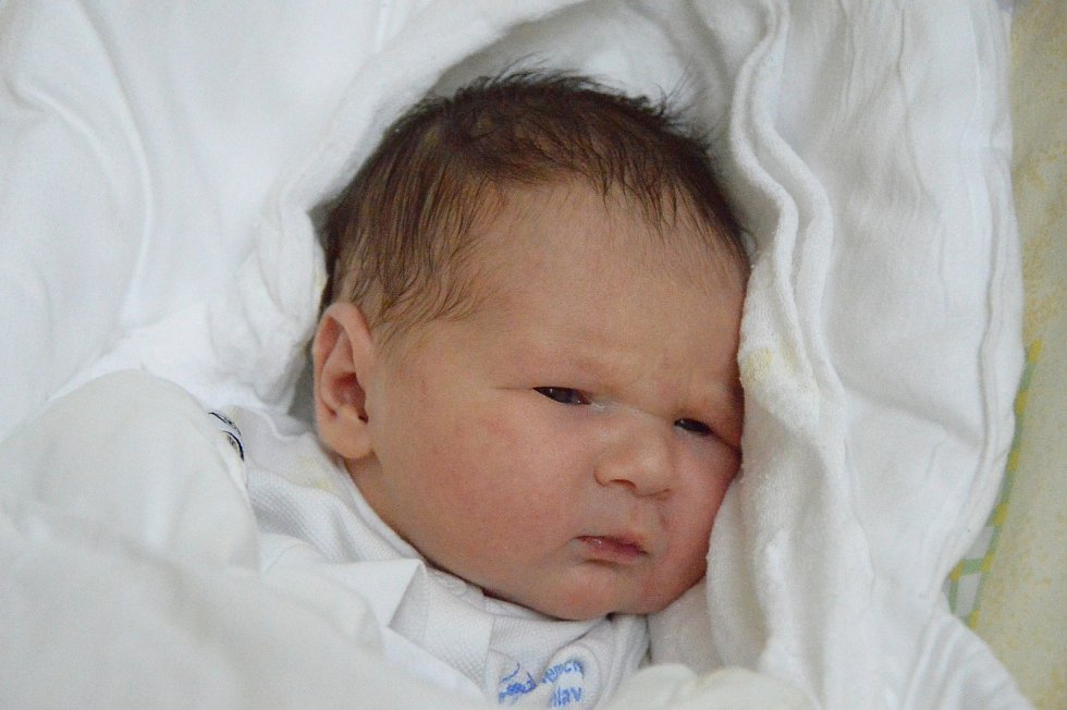 Karolína Míčková, Zňátky, 25. dubna 2019, 3200 g, 50 cm
