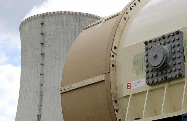 Z Dukovan vyprovodili poslední starý generátor