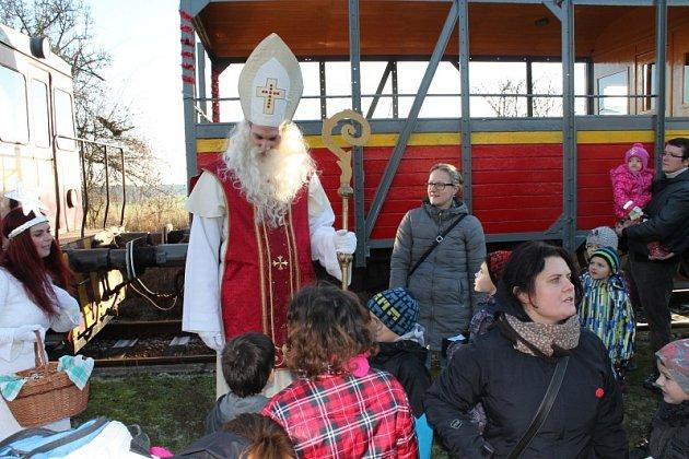 Mikuláš na nádraží v Třebelovicích