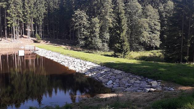 Vodní nádrž Vrchní na Telčsku.