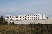 Také ve Věznici Rapotice jsou voliči. Nápravné zařízení katastrálně spadá pod obec Lesní Jakubov.