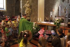 Nedělní mše svatá spojená s žehnáním školáků a studentů a jejich aktovek i batohů, současně poslední mše svatá otce Jakuba.