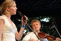 Harald Haugaard a jeho manželka Helene Blum. Oba svým excelentním výkonem v úterý večer uchvátili publikum na Folkových prázdninách v Náměšti nad Oslavou.