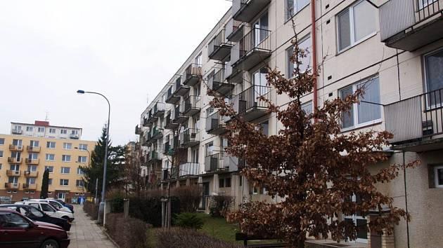 Byty v Okružní a Čeloudově ulici v Borovině.
