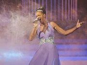 Bývalá miss z Náramče Jitka Boho, za svobodna Válková, boduje v populární televizní show Tvoje tvář má známý hlas. První kolo vyhrála, proměnila se do Beyoncé.