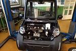 Studenti Střední školy řemesel a služeb poskládali elektromobil za tři týdny.