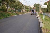 Novou silnici přivítali s povděkem obyvatelé Okřešic.