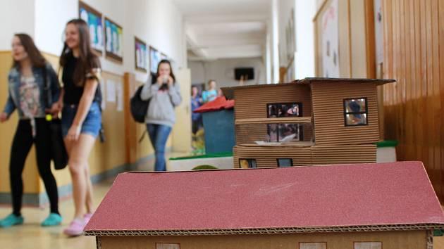 Domy snů žáků osmých ročníku Základní školy T. G. Masaryka v Třebíči.