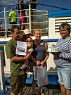 Na palubě lodi Horácko přivítali jubilejního 200 tisícího cestujícího. Stala se jí malá slečna Monika Večeřová z Arnolce.  Foto: Antonín Kozák