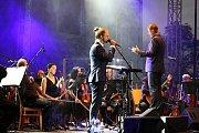 Koncert Tomáše Kluse s Moravskou filharmonií Olomouc ve Valči na Třebíčsku.