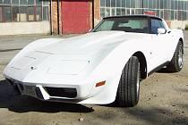 Chevrolet Corvette Stingray 1979 připomíná hračku, kterou jste jako malí opatrovali ve vitríně s angličáky.