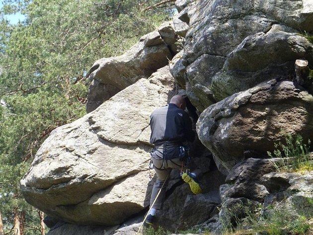 Odborníci v Třebíči zkoumali stav skalních svahů.