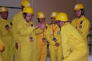 Účastníci Letní univerzity v Jaderné elektrárně Dukovany.