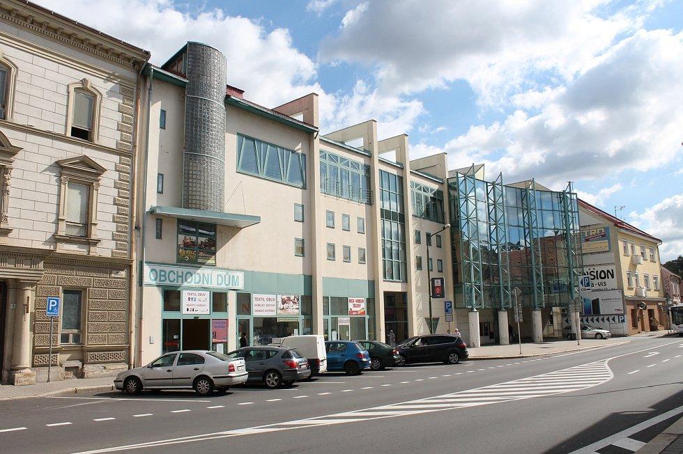 Bývalá Delvita, posléze Billa v centru Třebíče.