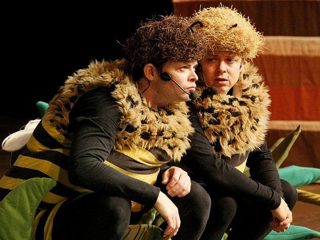 Hned tři představení Zimních příběhů včelích medvídků objednalo třebíčské kulturní středisko pro děti z mateřských a prvního stupně základních škol.