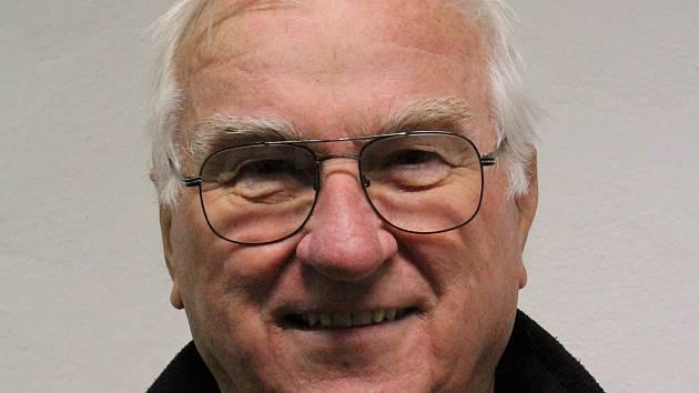 Třebíčský pilot Karel Picmaus. Vystudovaný strojař začínal profesionálně létat v roce 1972. Pilotem chtěl být od šesti let.