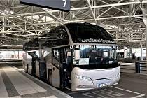 Tři linky společnosti United Buses budou zatím odjíždět ze zastávky na Sucheniově ulici.