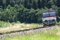 Motorový osobní vlak na trati z Moravských Budějovic do Jemnice