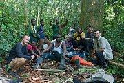 Kompletní expedice včetně nosičů a průvodců najatých v tamní vesnici.