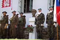 Rodný dům Jana Kubiše se v sobotu slavnostně otevřel veřejnosti. Výjimečného okamžiku v dějinách Dolních Vilémovic se zúčastnili příslušníci armády a také váleční veteráni.