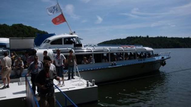 Už déle něž dva měsíce funguje lodní doprava na Dalešické přehradě.
