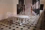 Na zámku v Náměšti opět lidé můžou zavítat do královského apartmánu. Uvidí toho víc než loni. Například víc jak 100 let starou proutěnou sestavu, seděl v ní španělský král Alfons XIII i prezident Edvard Beneš.