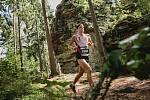 Nádherné slunečné počasí, ale i pořádný osvěžující déšť ke konci závodu provázel běžce na Milovech, kam letos úplně poprvé zavítal běžecký seriál Běhej lesy.