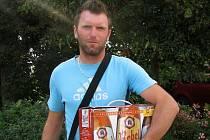 Jemnický snajpr František Kříž převzal ceny pro nejlepšího střelce krajského přeboru, které do soutěže Deníku věnoval Měšťanský pivovar Havlíčkův Brod, výrobce piva Rebel.