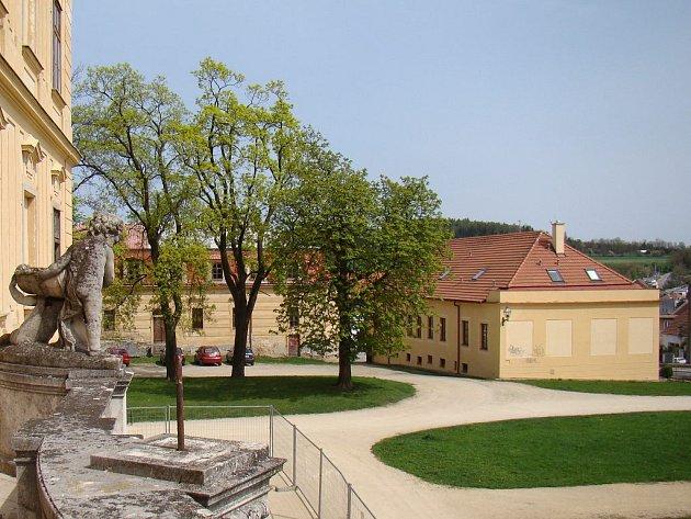 Další prostory město nabízí v podnikatelském inkubátoru (na fotografii vpravo), který se nachází blízko centra města a zámku.