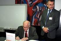 Tisková konference k bezpečnostnímu auditu v jaderných elektrárnách Dukovany a Temelín.
